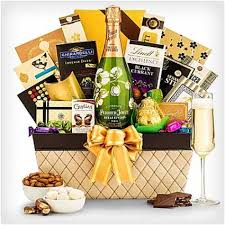 mothers day gift baskets 28 wonderful s day gift baskets dodo burd