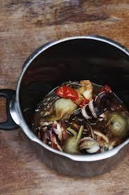 comment cuisiner le calamar comment cuisiner poulpes calamars et sèches l express styles