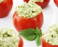 cuisiner des tomates cerises tomates cerises farcies au chèvre frais et aux épices recette de