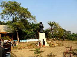 banglow file statue of rabindranath tagore in front of his garden banglow