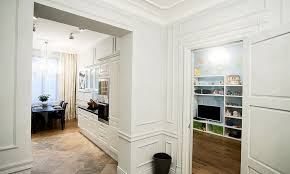home design english style apartment in type of parisian eclecticism with droplets of hi tech