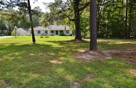 new lower price lovely ranch home on scenic lot 269 000 00