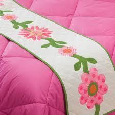 go hearts bed runner pattern accuquilt