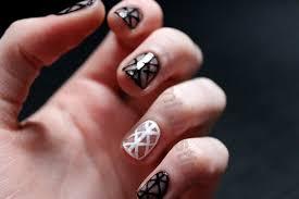 geometric negative space nail art how to paint a geometric