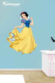 best images about wall decals disney princess bedroom decor diy disney princess you hate putting holes your walls fathead wall decals