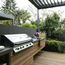 comment construire une cuisine exterieure cuisine exterieure beton cuisine dactac amacnagace sous une pergola