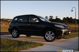 hyundai santa fe 2009 review hyundai santa fe 2 7 2009 review specifications and photos