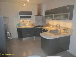 modele cuisine en l modele de decoration de cuisine fabulous armoires de cuisine