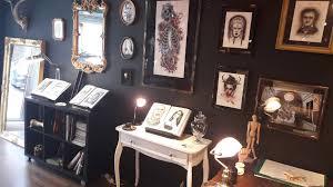 table de tatouage satsugai lens tattoo tatoueur à redon le meilleur du tatouage