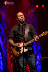 aaron lewis shows the turning stone casino why he u0027s a country boy