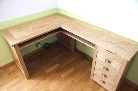 faire un bureau d angle fabriquer un bureau en bois des comment faire un bureau en bois