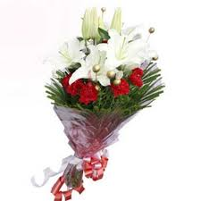 Red Carnations Bunch Of White Lilies With Red Carnations Myflowergift