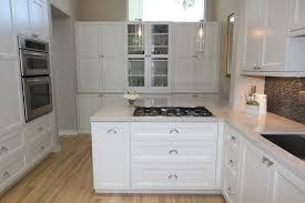 White Kitchen Cabinets With Black Hardware Atemberaubend Glass Kitchen Cabinet Knobs And Pulls White Black