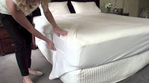 How To Sew Duvet Cover From Sheets by How To Make Neat Corners With Your Bed Sheets Youtube