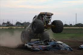 grave digger the monster truck tx freestyle destruction tour youtube grave digger s grave monster