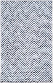Zig Zag Outdoor Rug The Well Appointed House Luxuries For The Home The Well