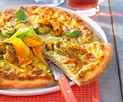 comment cuisiner les fleurs de courgettes recette facile pizza aux fleurs de courgette