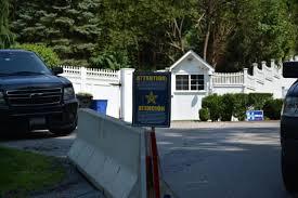 Clinton Estate Chappaqua New York Clintons Buy Next Door Neighbor U0027s Chappaqua Home For 1 16 Million