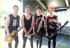 one direction u0026 5 seconds of summer make our hearts throb at