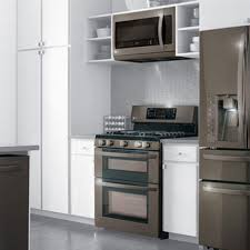 what color appliances look best with cabinets are stainless steel appliances going out of style
