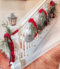 35 amazing christmas staircase with banister ornaments home