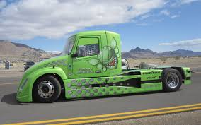 volvo long haul trucks mean green machine 2000 hp volvo diesel hybrid truck truck