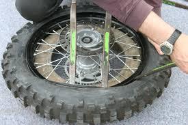 changer une chambre à air demontage remontage d un pneu avec chambre a air en moins de 3 mn