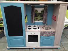 cuisine enfant fait maison comment transformer un meuble tv en cuisinière pour enfants