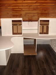 bureau sous pente chambre bureau sous comble bureau design en sous pente rangements