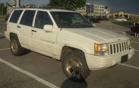 white jeep grand cherokee file u002796 u002798 jeep grand cherokee les chauds vendredis u002710 jpg