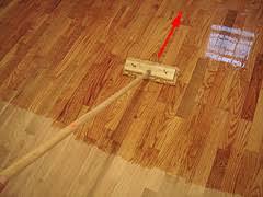 applying polyurethane finish for an hardwood floor