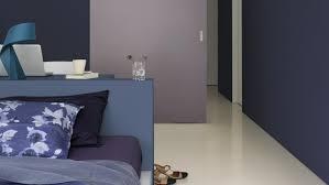 peinture violette chambre peinture violet pour une chambre à coucher moderne et cosy
