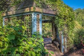 inniswood metro garden 151 photos u0026 43 reviews parks 940 s