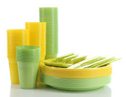 piatti e bicchieri di plastica colorati sostenibilit罌 monouso vs tradizionale a confronto piatti e bicchieri