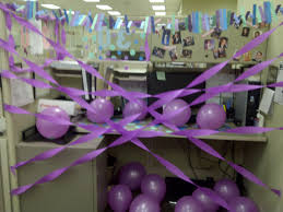 Cute Cubicle Decorating Ideas by Co Worker 30th Birthday Desk Decor Festeggiare Pinterest