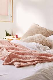 amped fleece throw blanket outfitters