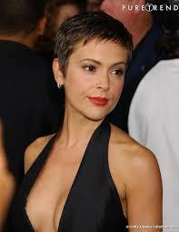 coupe femme cheveux courts modele de cheveux courts femme coupe de femme coiffure institut