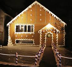 christmas house lights turn house into a gingerbread house how cool would that be