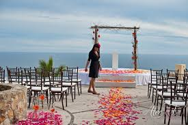 why you need a wedding planner for your destination wedding in los