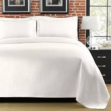 Difference Between Coverlet And Quilt 38 Best Bedspreads U0026 Coverlets Images On Pinterest Bedspreads