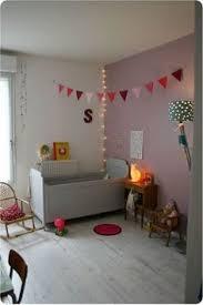 guirlande lumineuse chambre bebe décoration chambre bébé vintage et liberty déco chambre bébé