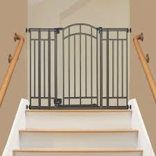 Top Of Stairs Baby Gate With Banister The Best Outdoor Baby Gates Of 2017 Baby Gate Guru