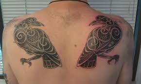 back shoulder tattoos men 27 nice hugin and munin tattoos