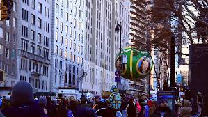 new york nov 2013 wizard of oz balloon in macy s thanksgiving