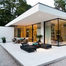 leem wonen keek binnen bij een bijzonderen moderne bungalow in