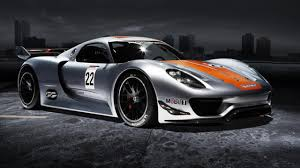 electric porsche 918 a close look at porsche u0027s 918 rsr top gear