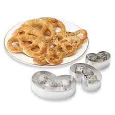 emporte pieces cuisine set de 3 emporte pièces bretzel pâtisse matériel à et