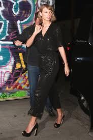 taylor swift wears new zealand fashion viva
