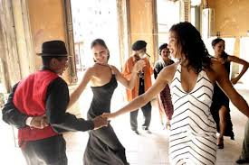 How To Be Comfortable Dancing What Clothes Women Should Wear To Salsa Dancing At A Nightclub Or