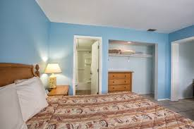 standard design hotel the bay inn rooms fort myers resorts hotels